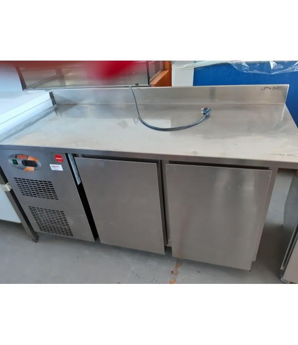 cucina professionale: Tavolo refrigerato